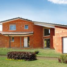 Maison construite tout en terre cuite